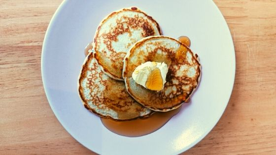 Easy Fluffy American-style Pancakes for Pancake day!